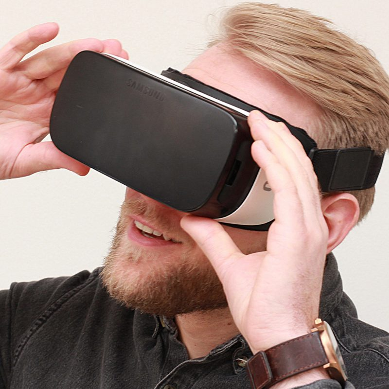 LIQUI - REFINE, RENDER AND VIRTUAL REALITY -VR-Headset